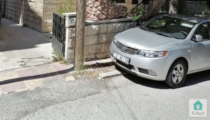 عمارة للبيع من المالك بالقرب من مستشفى    الأردن ٣ طوابق وتسوية للسكن او تحويلها تجاري