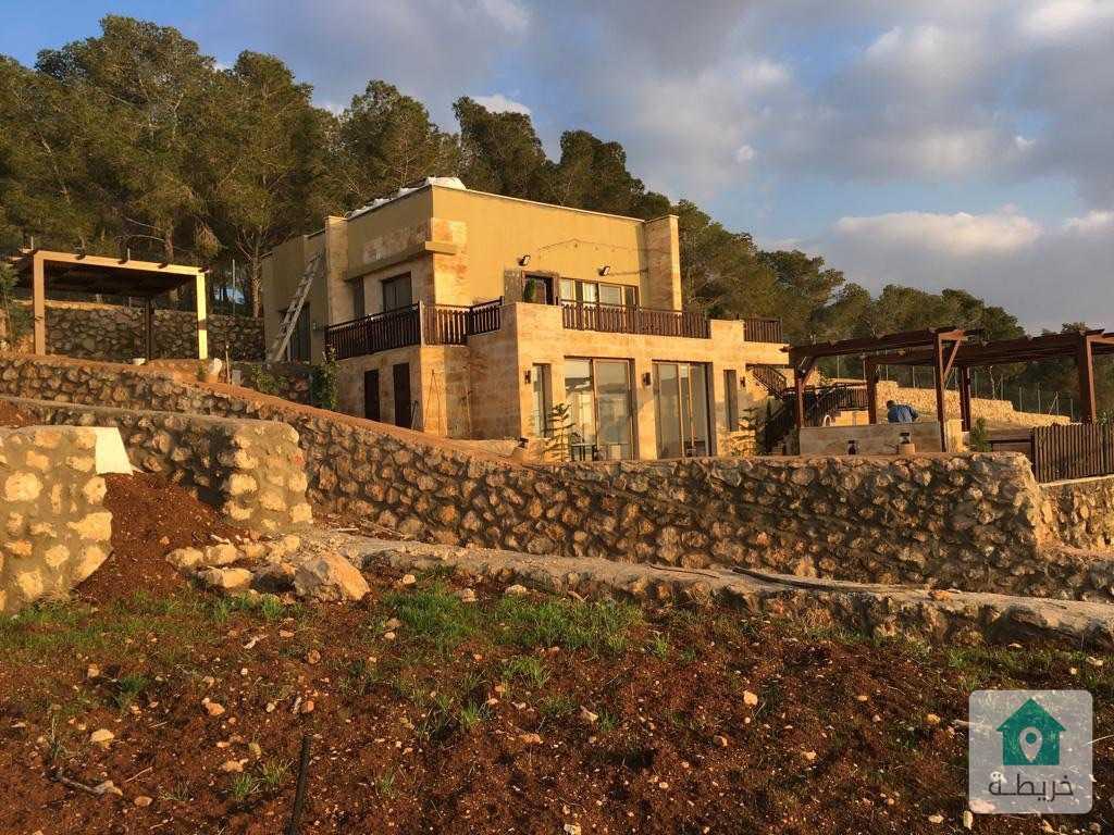 شاليه مميز ضمن مجمع فلل الصفا للبيع طريق جرش العام - المصطبة  يبعد عن عمان ٢٠ كيلو