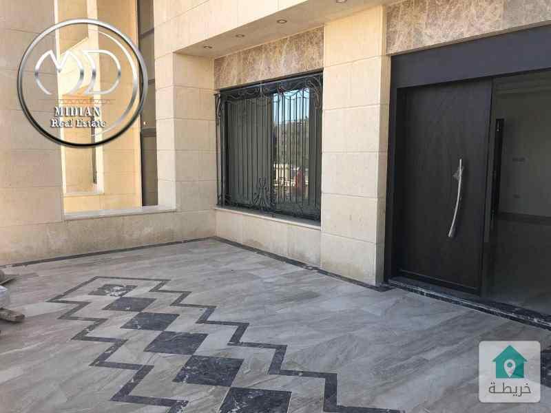شقة ارضية جديده للبيع - خلدا قرب المعارف مساحة 235م - مع ترس 40م .