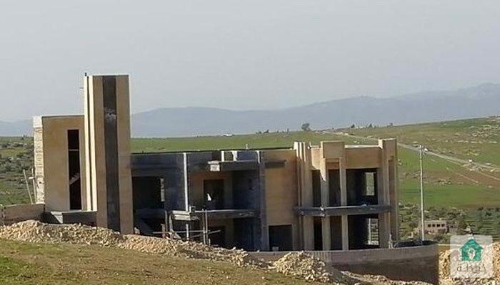 فيلا مميزة للبيع ( بناء عظم جاهز للتشطيب )  عمان - شفا بدران - إسكان  المهندسين الزراعيين  
