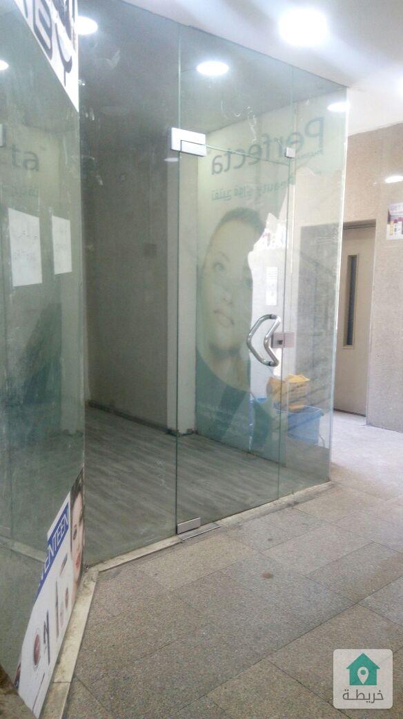 محل تجاري جبل الحسين بمجمع جاليري مول دوار فراس الطابق الأول للايجار من المالك مباشرة