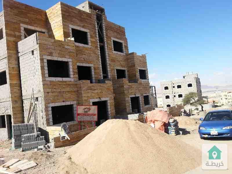 شقة للبيع ضاحية الامير علي بالقرب شارع مادبا على الطريق الرئيسي قيد الإنشاء