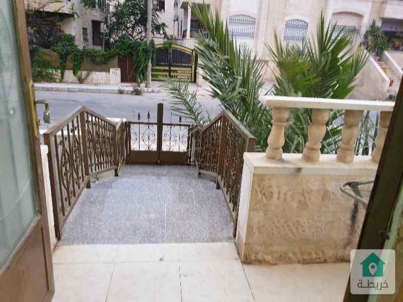 شقة غير مفروشة للايجار طابق ارضي (فوق التسوية) مدخل منفصل خلف صالة الشرق