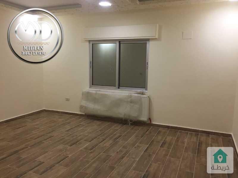 شقق جديدة للبيع الجاردنز قرب سوق شاكر مساحة 130م - بسعر مميز مع امكانية التقسيط .