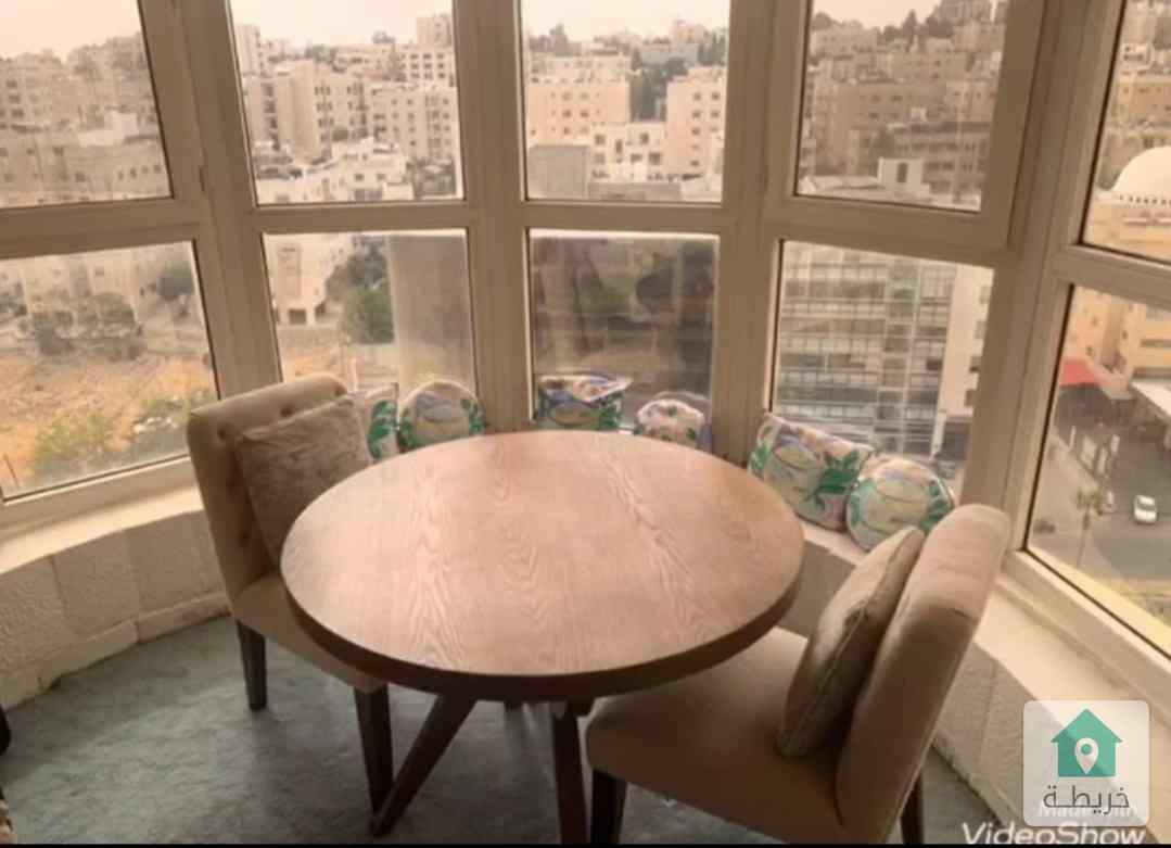 شقه طابقيه 370م. للبيع في الشميساني طابق اول