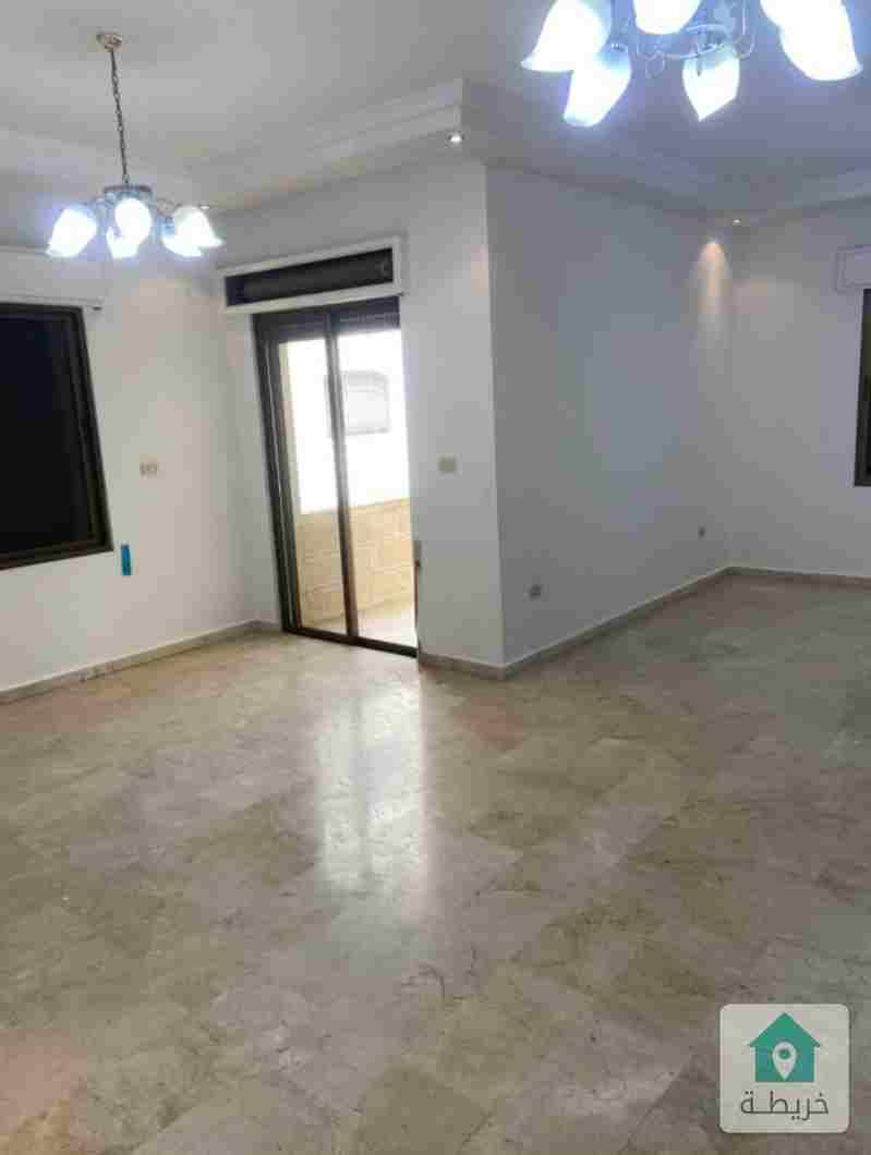 شقة طابقية ٢٧٥ متر في دير غبار للايجار