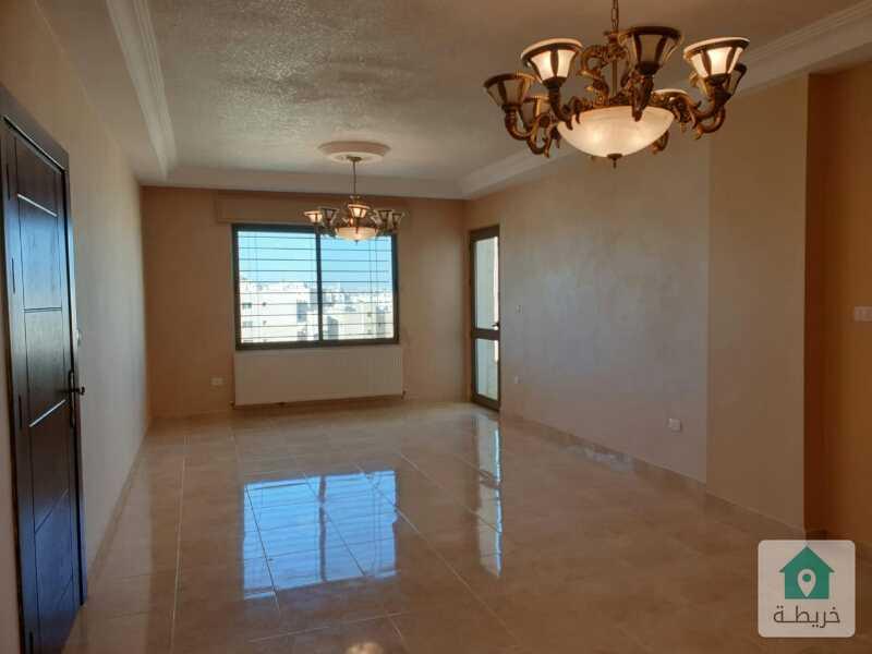 شقة بمرج الحمام للإيجار دوبلكس شبه مفروشة عند الشوابكة 165م مع غرفة إضافية وتراس علويين للجلسات.