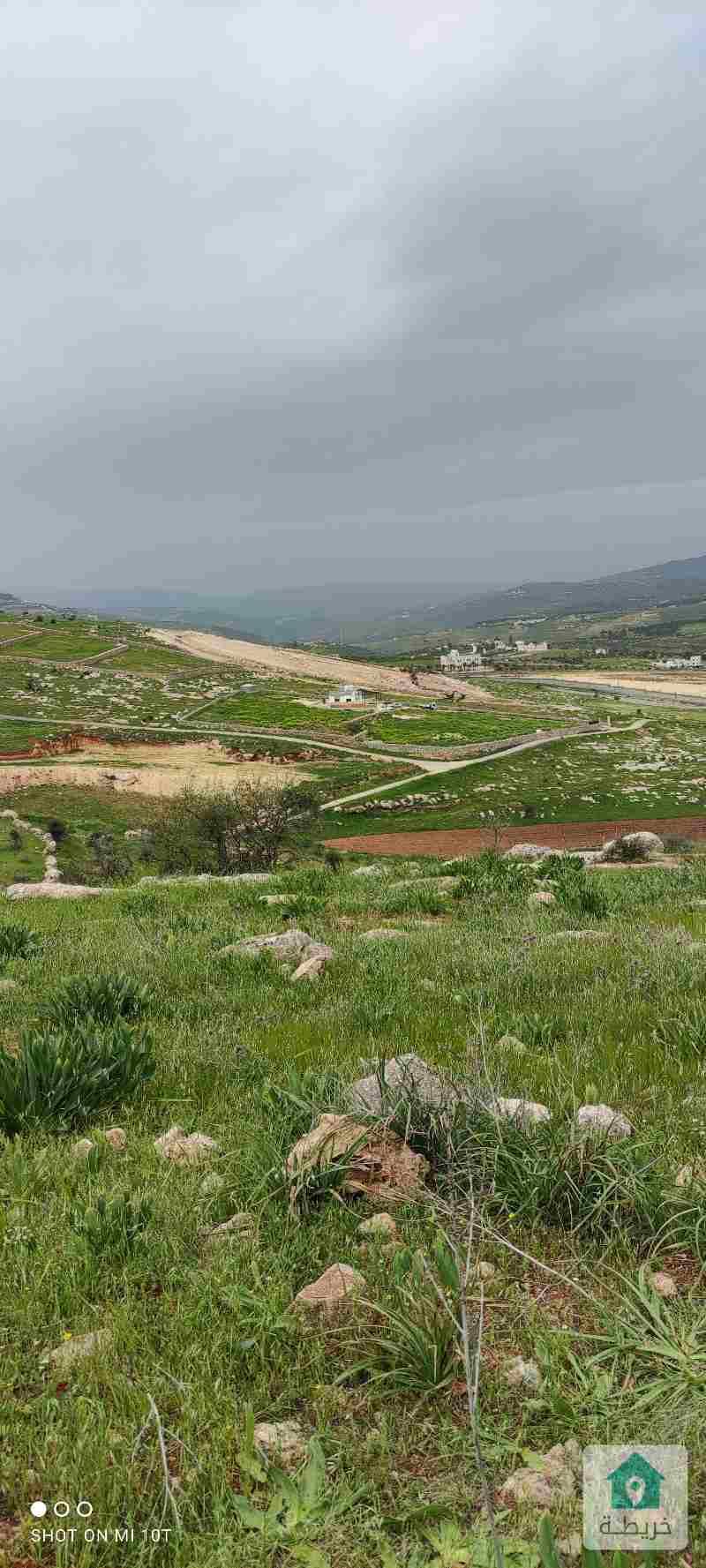 قطعة ارض للبيع جرش عنيبة خلف جامعة جرش