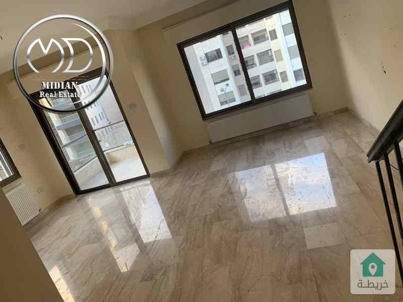 شقة فارغة دوبلكس للايجار في عبدون طابق أخير مع روف مساحة 150م مع ترس اطلالة جميلة
