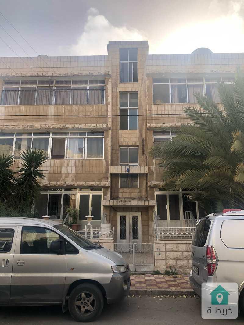 للبيع.عمارة اربع طوابق في جبل الحسين شارع المحكمة الشرعية