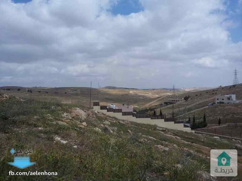 ارض للبيع في بيرين/ رجم الشوف - قرب طريق زينات الربوع جريبا