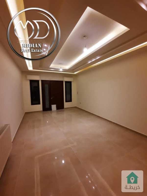 شقة ارضية جديدة للبيع الجندويل مساحة 160م مع ترس 40م تشطيب سوبر ديلوكس .