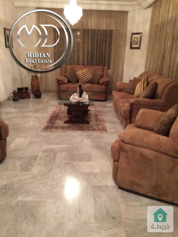 شقة طابقية فارغة للايجار ام اذينة مساحة 285م طابق اول تشطيب سوبر ديلوكس .
