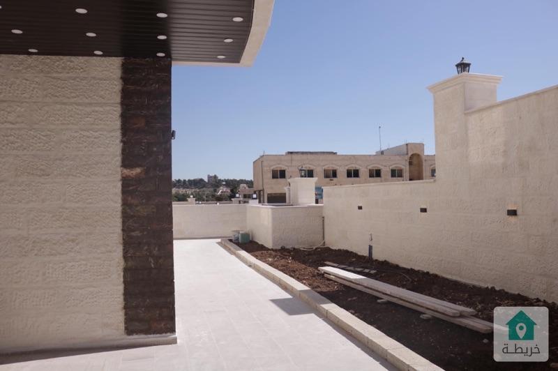 شقة للبيع شبه ارضي 250متر مع حديقة مرج الحمام دوار البكري