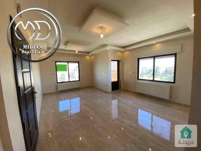 شقة فارغة للايجار الجندويل مقابل مساحة 140م طابق ثالث اطلالة جميلة وبسعر مميز .