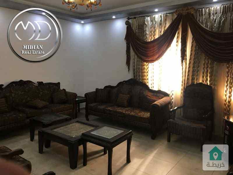 روف مفروش للايجار ام السماق قرب مطعم ورد مساحه 110م