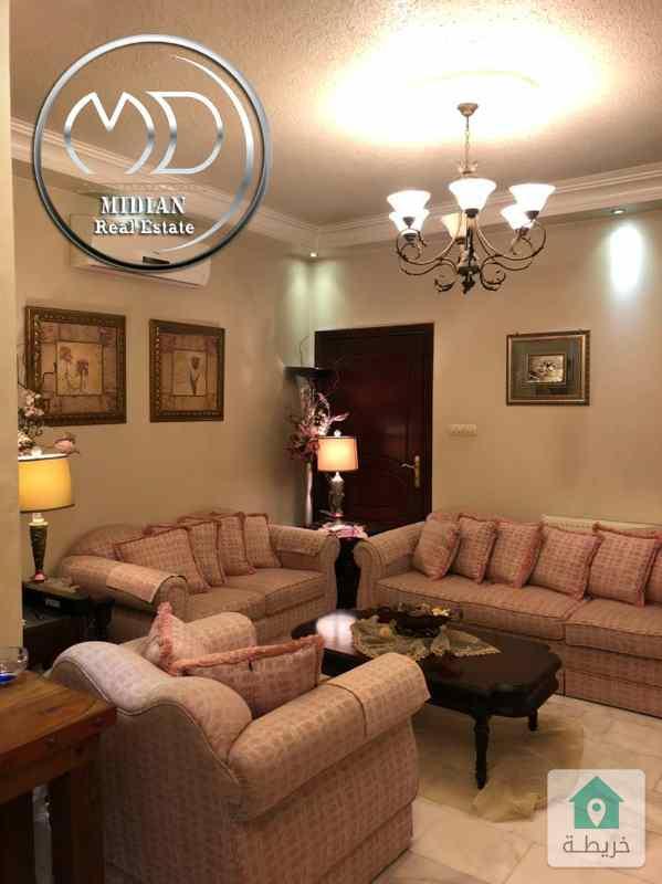 شقة ارضية فارغة للبيع خلدا مساحة 175م مع ترس امامي جانبي75م بسعر مميز .