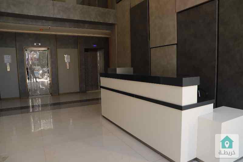 عيادات ومكاتب للبيع مقابل المركز العربي الدوار الخامس(شركة رائد خلف للاسكان)