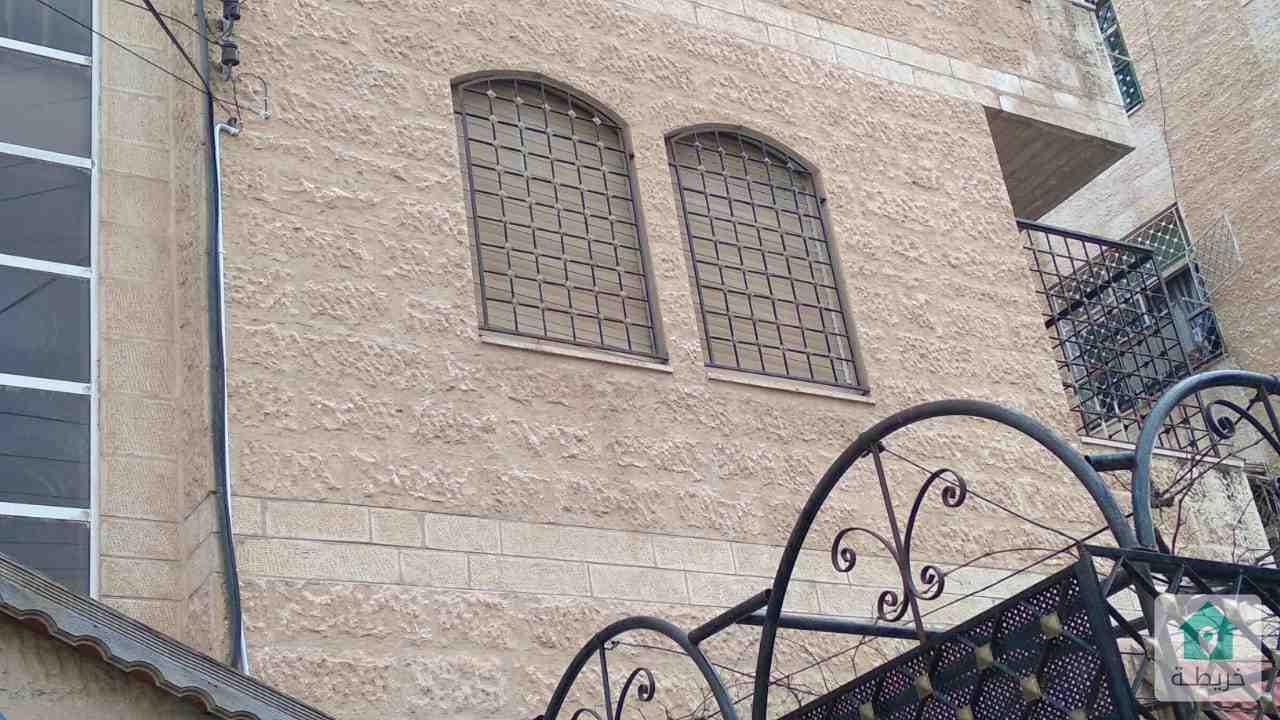 شقة للبيع في ضاحية الامير حسن 115م طابق اول بسعر 44 الف