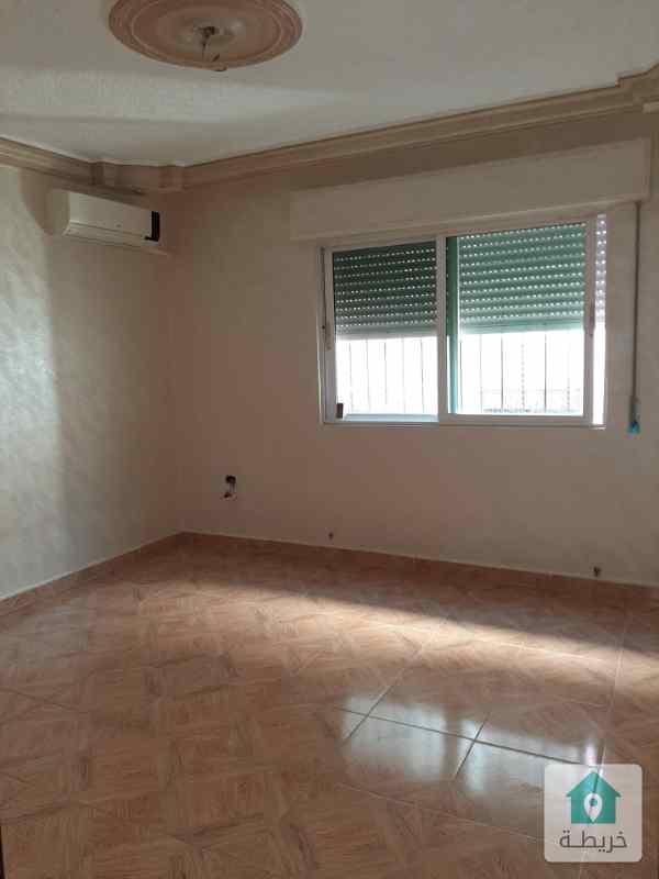 شقة أرضية للبيع فى ضاحية الرشيد خلف مسجد الصديق 131م مدخل مستقل بدون حديقة