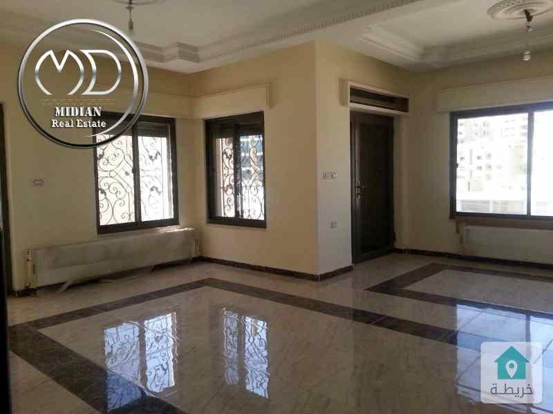 شقة ارضية جديده فارغة للايجار خلدا مساحة 165م مع ترس 30م بسعر مناسب .