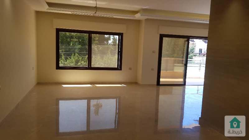 شقة مميزة في ام اذينة مساحة 230م