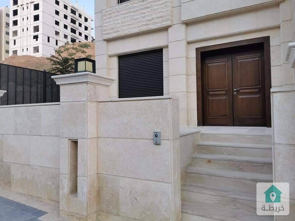 شقة ارضية فاخرة للبيع في دابوق (الكرسي) ١٨٠ متر