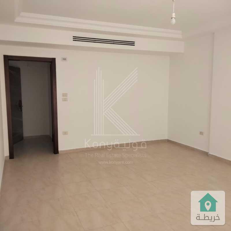 شقة فاخرة للبيع في دير غبار