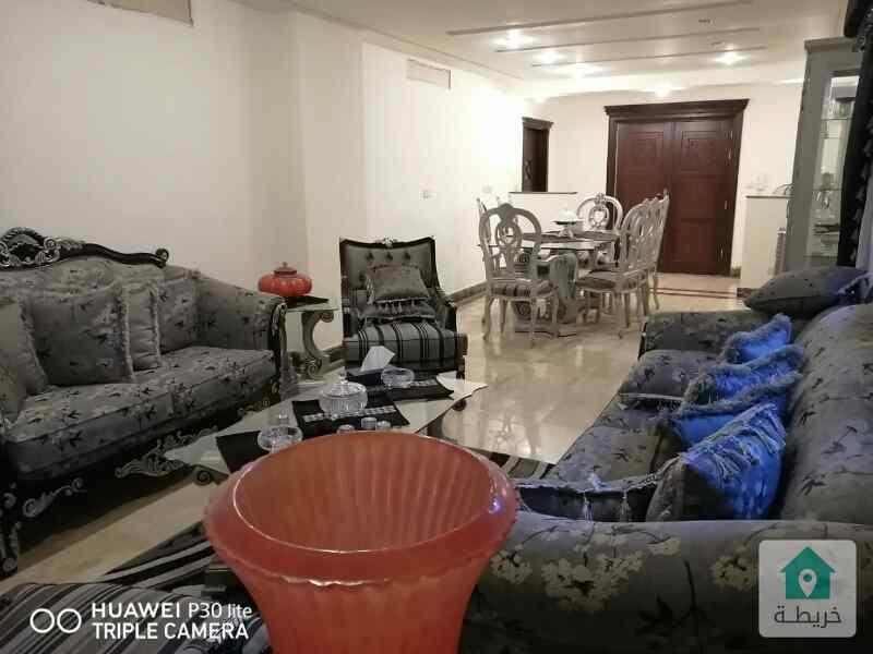 شقة مميزة للبيع في عبدون طابق أرضي مع حديقة بسعر مغري