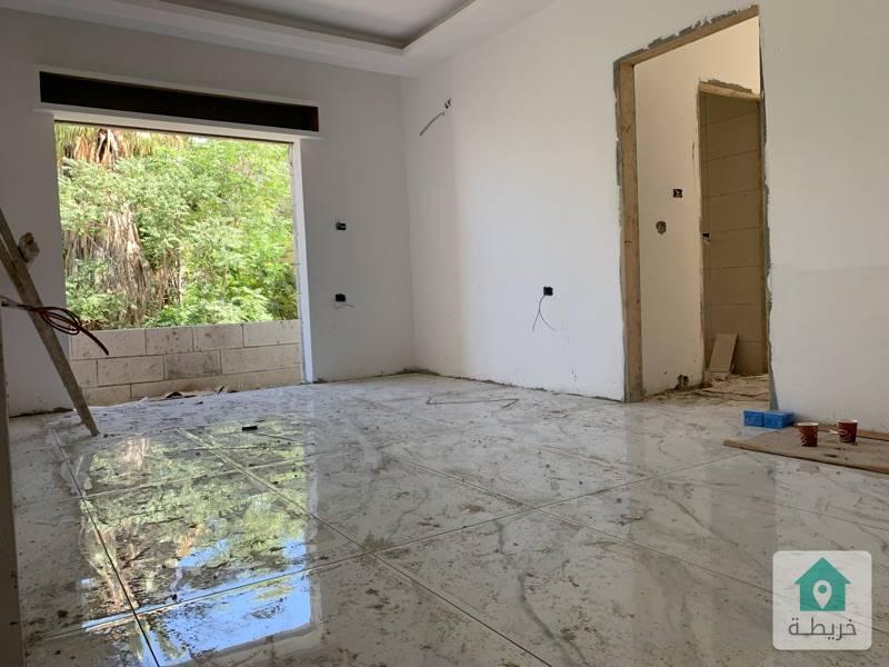 شقة سوبر ديلوكس في الجاردنز معفية من رسوم التنازل تصلح للسكن او للاستثمار  بسعر مغري