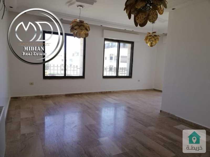 شقة فارغة للايجار الجاردنز خلف ابن الهيثم مساحة 175م طابق ثالث تشطيب سوبر ديلوكس