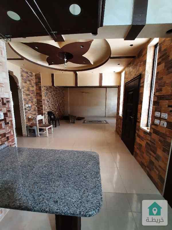 شقة طابقية ٢٣٠ متر مع السطح