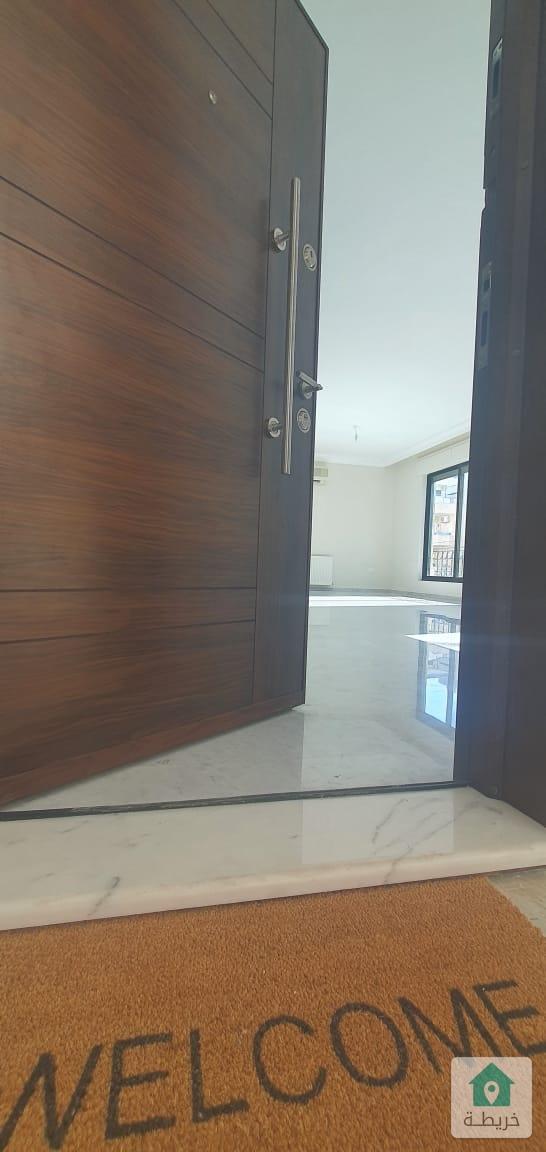 شقة مجددة بالكامل للإيجار في دير غبار