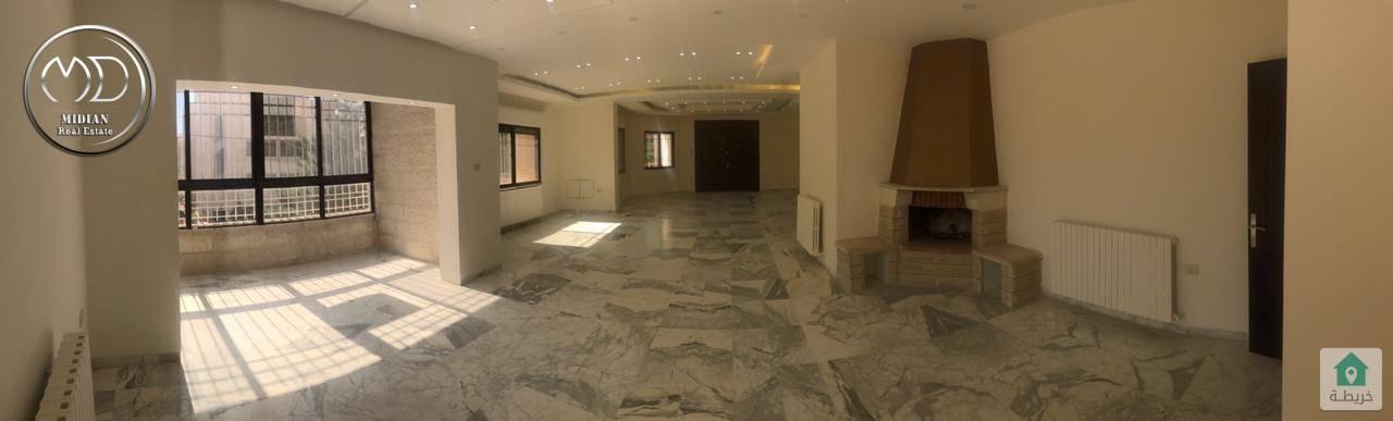 شقة طابقية ارضية فارغة للايجار ام السماق قرب مكة مول مساحة 280م تشطيب سوبر ديلوكس