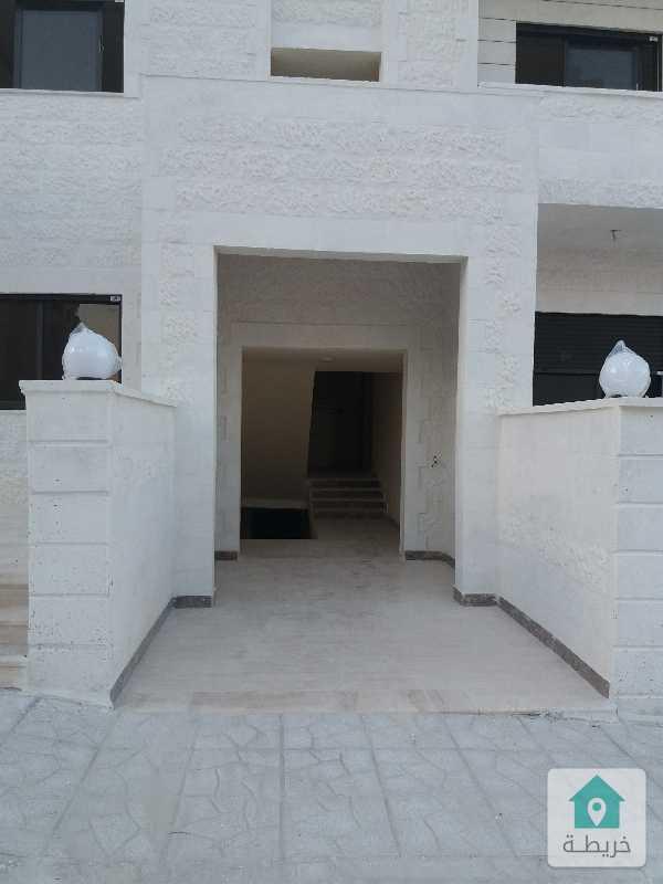 شقق ارضية وطوابق جديدة للبيع في طبربور ١٤٠ م