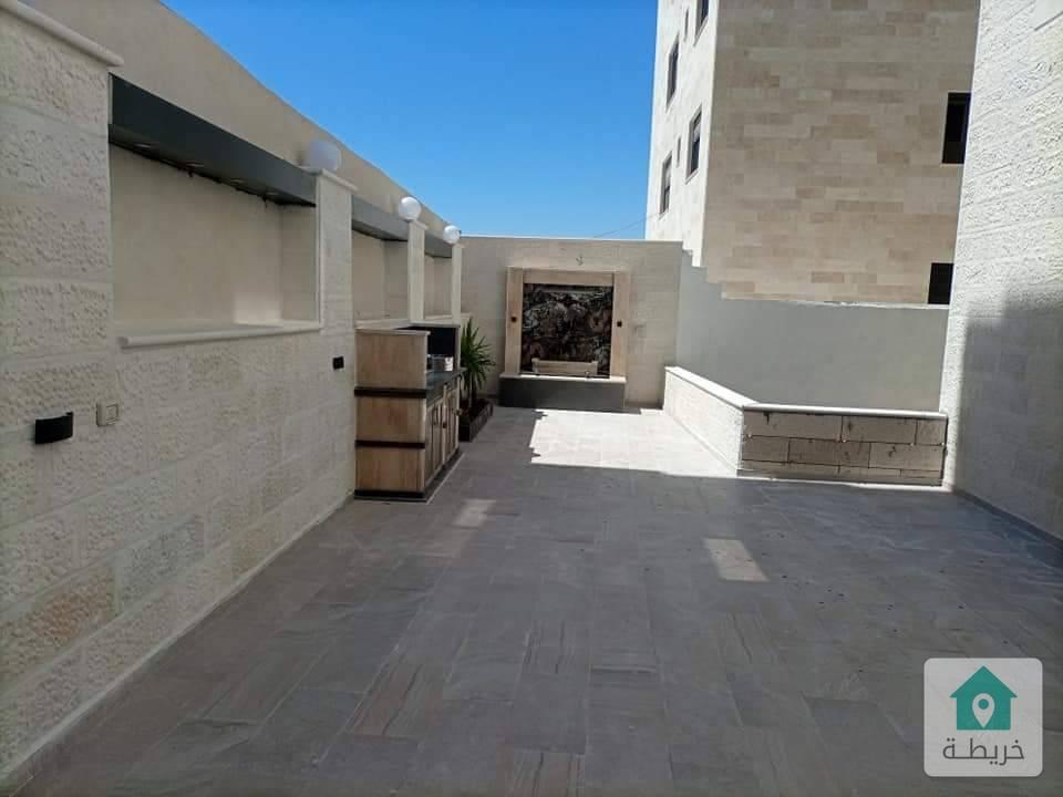 شقة شبه ارضي في مرج الحمام مساحتها 188 متر جديده مع ترس للبيع بسعر مغري