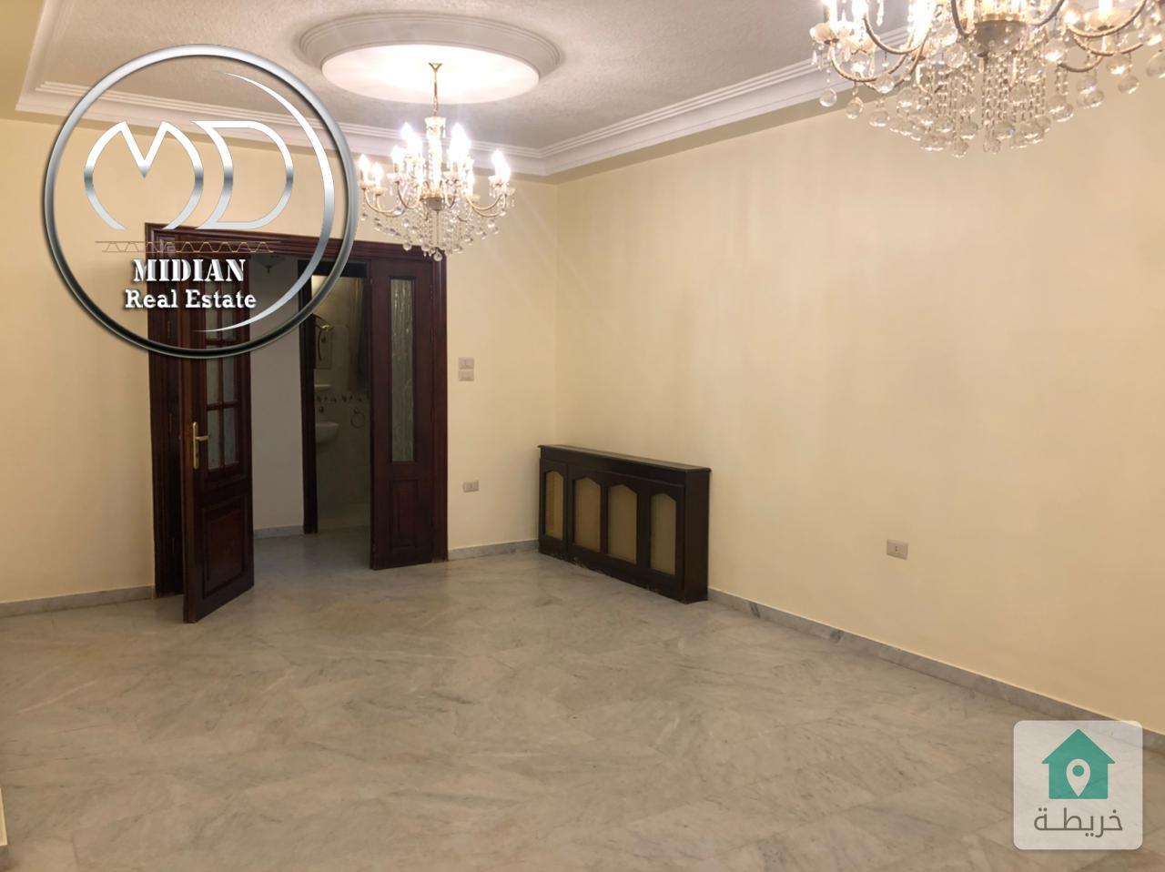 شقة ارضية فارغة للايجار تلاع العلي قرب مدارس الجزيره مساحة 200م مع ترس 70م تشطيب سوبر ديلوكس