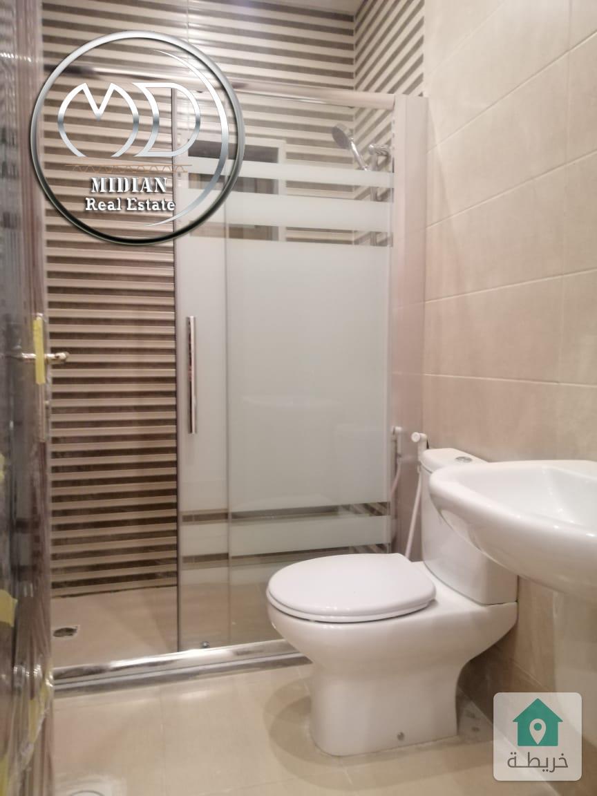 شقة جديده فارغة للايجار السابع مساحة 150م طابق ثاني تشطيب سوبر ديلوكس
