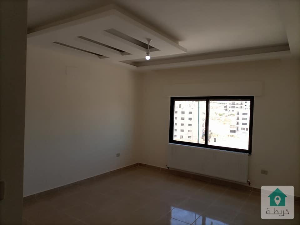 شقة مع روف في مرج الحمام طابق ثالث مساحة 188 متر مع روف 80 متر للبيع بسعر مغري