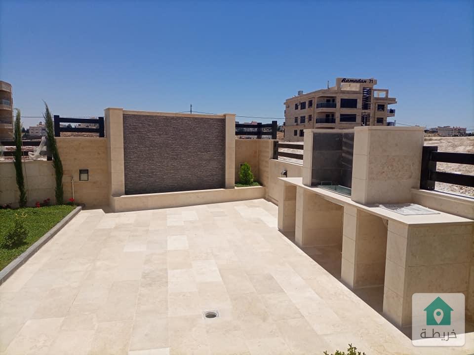 شقه ارضيه في مرج الحمام على طريق المطار  مساحتها 250 متر داخلي و300 متر خارجي للبيع بسعر مغري