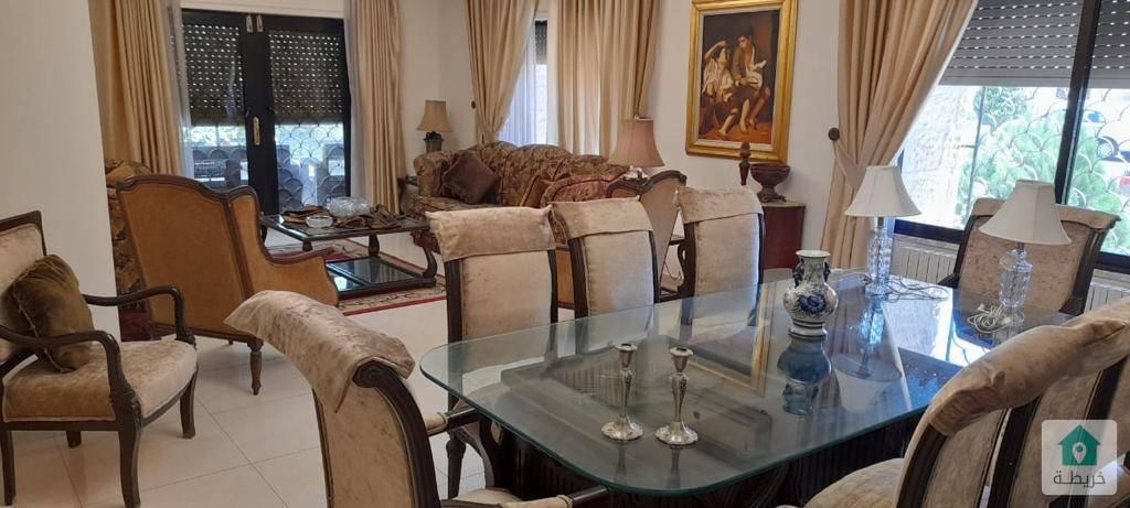 شقة ارضية مفروشة فاخرة للايجار في ام اذينة