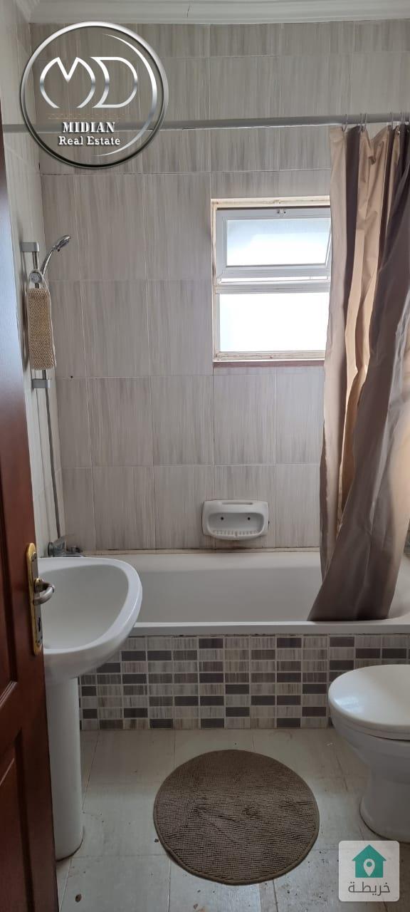 شقة فارغة للايجار ام السماق مساحة 175م طابق ثالث بسعر مناسب
