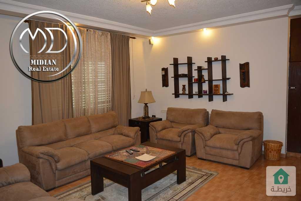 شقة فارغة للايجار دير غبار مساحة 220م طابق ثالث سوبر ديلوكس وبسعر مناسب