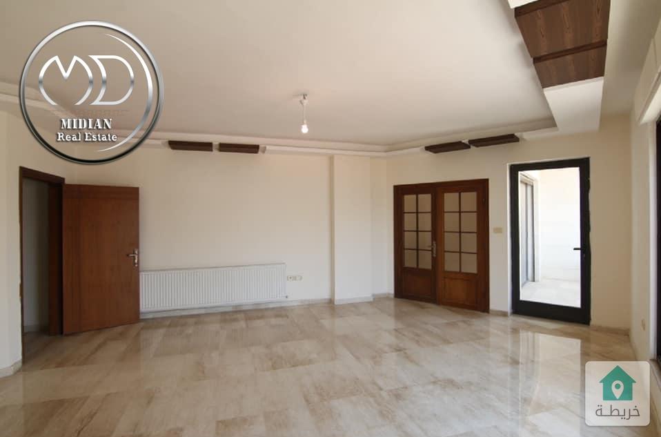 شقة جديدة للبيع الرابية قرب السفارة الصينية 185م اخير مع روف 100م سوبر ديلوكس