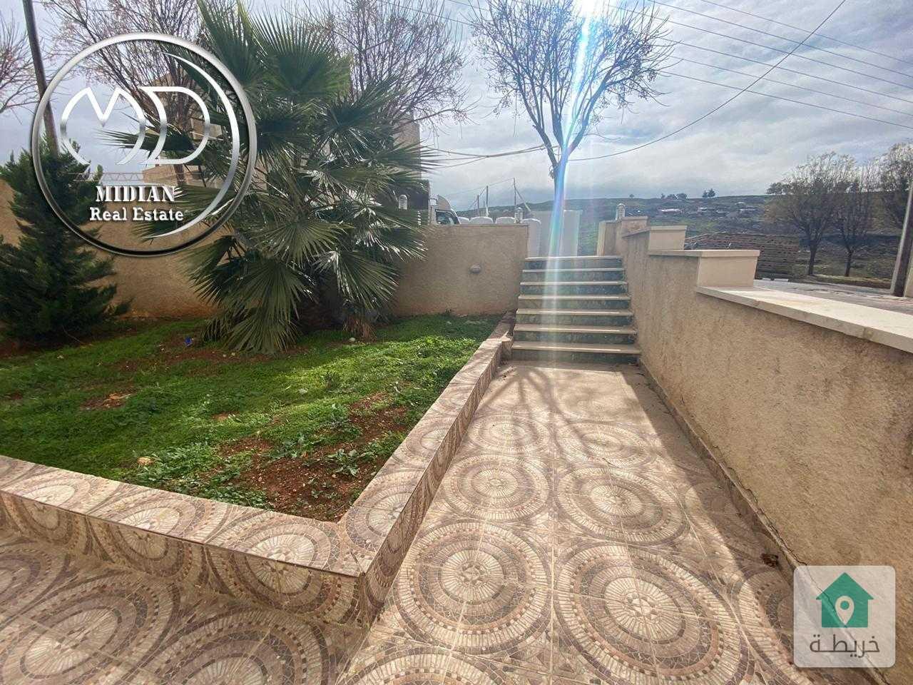 شقة شبه ارضي جديدة للبيع دير غبار مساحة 300م مع ترس وحديقة سوبر ديلوكس