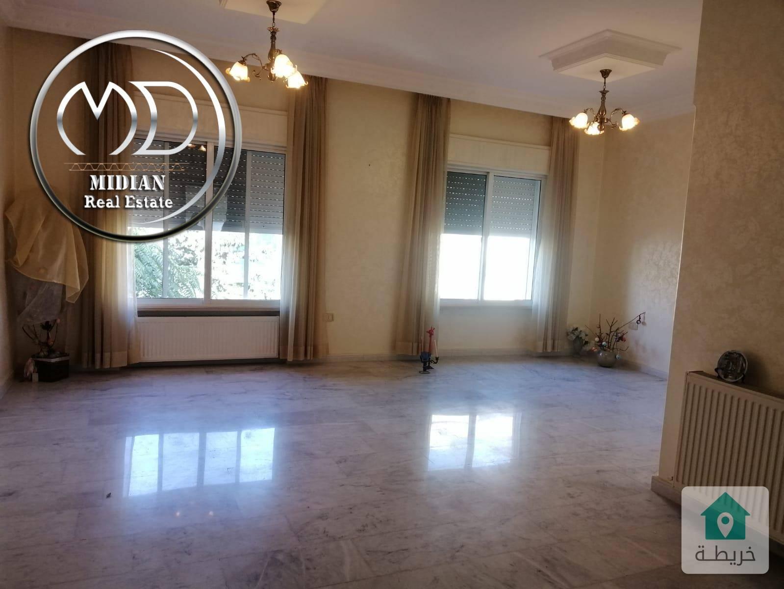 شقة فارغة للايجار الجندويل مساحة 150م طابق ثاني بسعر مناسب