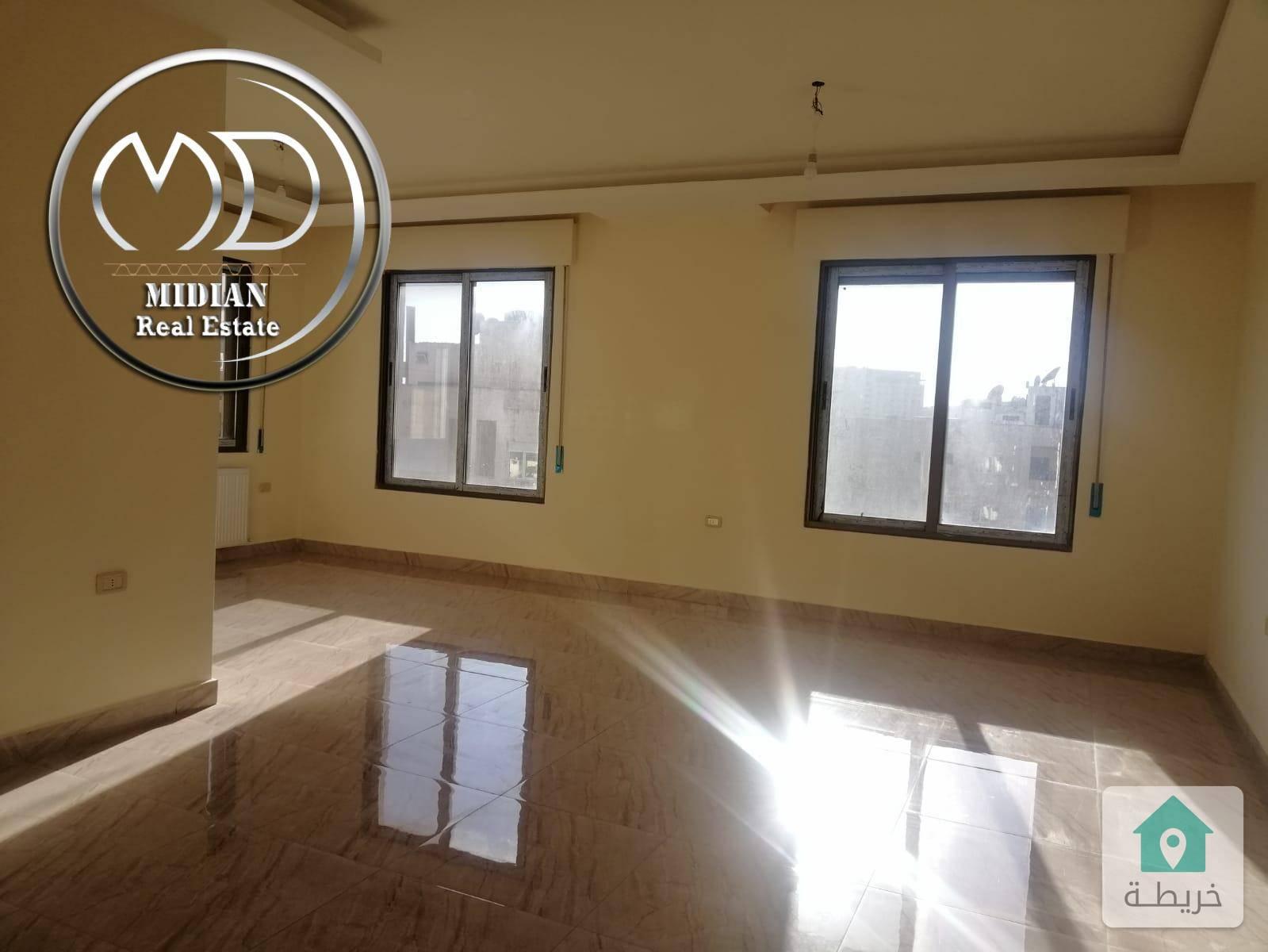 شقة جديده اخير مع روف للبيع الرابية مساحة 185م مع روف 80م بسعر مناسب مع امكانية التقسيط