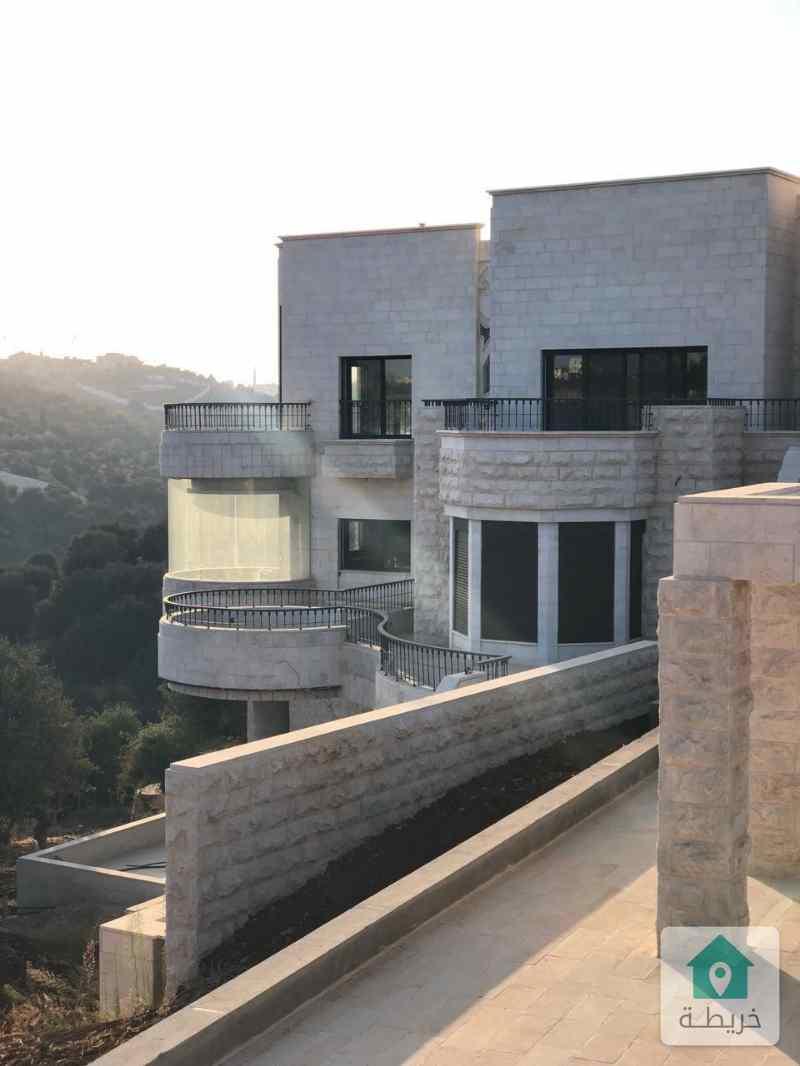 قصر فاخر للبيع في عمان