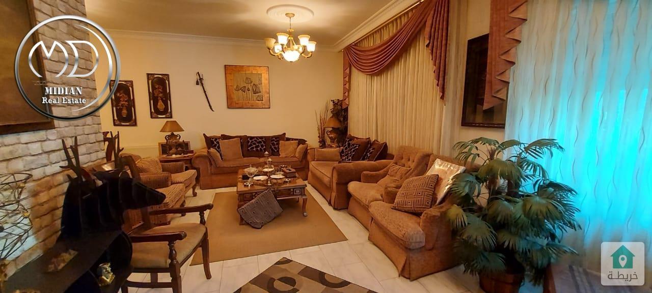 شقة ارضيه فارغة للبيع السابع مساحة 180م مع ترس 70م تشطيب سوبر ديلوكس وبسعر مناسب